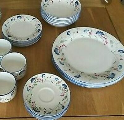 5 PIECE ROYAL DOULTON PLACE SETTING Expressions Florentina Pattern - 30 Pieces