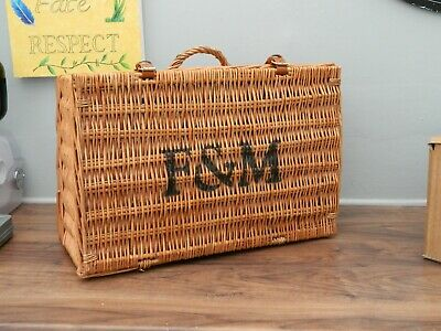 fortnum and mason  wicker basket (A1)