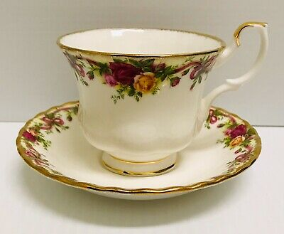 🌹rare Royal Albert Old Country Roses Ruby Celebration Ribbon Tea Cup & Saucer🌹