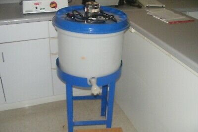 Mixing tank15 Gallon (58 Liter)  with dispenser and stand