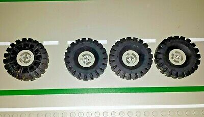 Lego 2 NEW Large red treads//tracks w//hubs from sets 70144 70501 70504 36 treadS