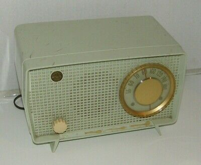 Vintage RCA, radio, 6X7 AM ,Atomic age, Green, Plastic case, for parts or repair