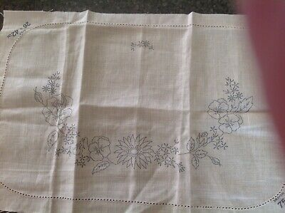 table center to hand embroider