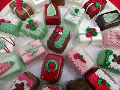 Decorated Christmas Petit Fours Look Real