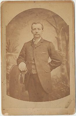 c1880 Cabinet Card Real Photo Stylish Victorian Handsome Gentleman Fashion Style