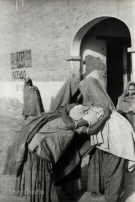 1948 Henri Cartier-Bresson Pakistan Women Reunion Lahore Vintage Photo Art 16x20