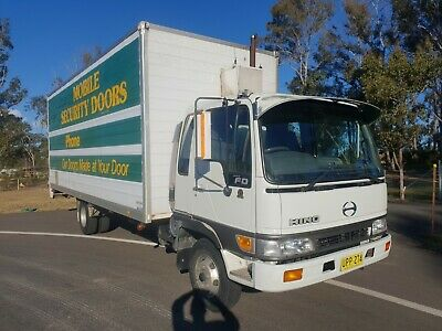 1998 Hino FD2J diesel 5 speed furniture removal pantech truck