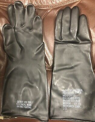 4 pair Brunswick Corp Chemical Protective Glove Set 8415-01-033-3517 Small NEW
