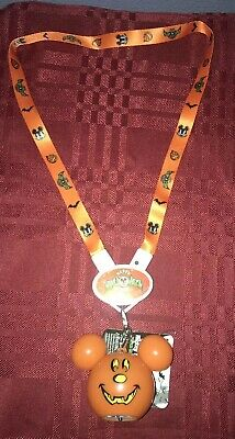 Disney Parks Halloween 2019 Mickey Vampire Pumpkin Glow Light Up Necklace NEW