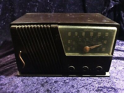 Vintage Sears Silvertone AM FM Radio from about 1951 -52? for Parts/Restoration