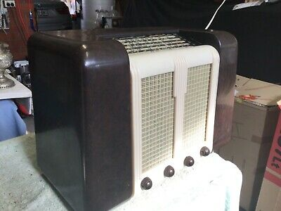1940s Vintage bakelite radio twin four with shortwave
