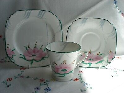 Pretty Collingwood Vintage  Bone China Tea Cup Saucer and Plate Trio Set