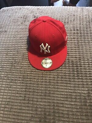 New York Yankees Fitted Cap 7 1/4 Red New Era MLB