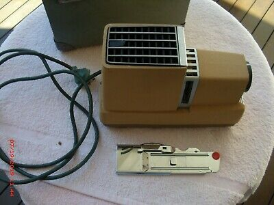 Argus 300 Vintage Slide Projector, Works, In Original Case