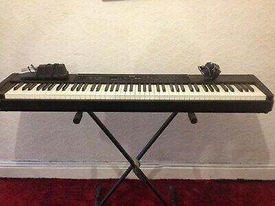 Yamaha P80 / P-80 electric piano / keyboard + , sustain pedal & stand