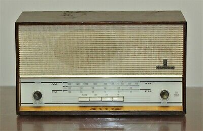 Vintage GRUNDIG AM FM Model 101U Tube Radio Serial Number 1390601065 - Germany
