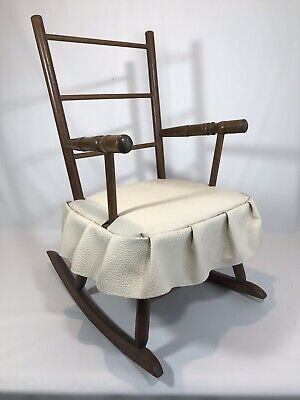 Vintage Child Rocking Chair wood Antique Hedstrom 22520 USA excellent condition