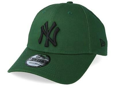 New Era League Essential 9Forty Cap. New York Yankees. Olive Green