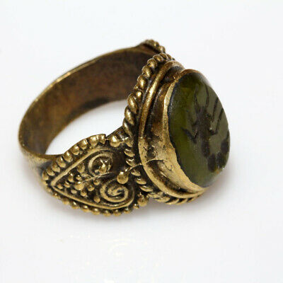 Circa 1300-1500 Ad Near East Bronze Seal Ring With Gem Stone