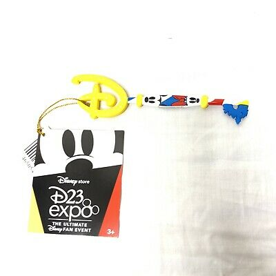 D23 Expo 2019 Disney Store Mickey Minnie Key Special Edition Exclusive Limited