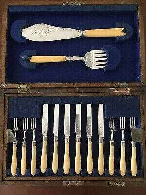 Vintage Boxed Set of Mappin & Webb Silver Plated Fish Kinifes & Forks