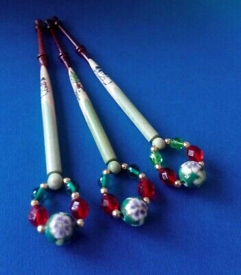 3 Spliced Wood Lace Bobbins.3 Woods. Christmas Snowmen & Holly. Spangles.