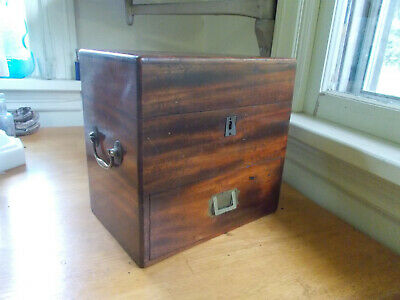1860s DOCTOR'S APOTHECARY PRETTY WOOD MEDICINE CHEST W/DRAWERS 3 EARLY BOTTLES