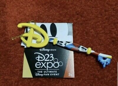 D23 Expo 2019 Disney Store Mickey & Minnie Key Special Edition Exclusive! New!
