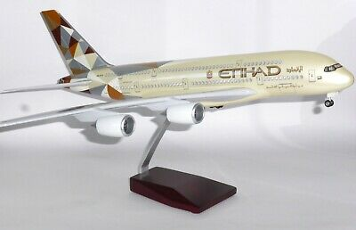 Airbus A380-800 Etihad Airways LED Light Up Large Collectors Model Scale 1:160