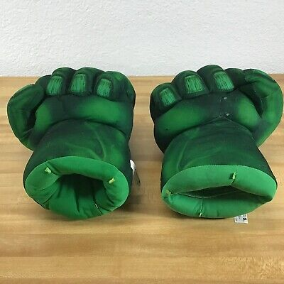 Marvel Hasbro Incredible Hulk Smash Hands w/ Sound Effects Cushioned Toy Fists