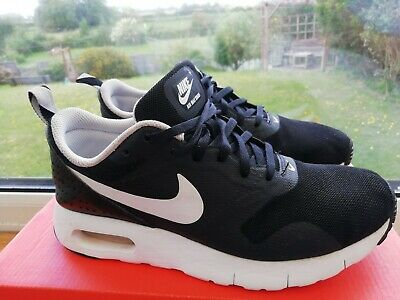 WOMENS NIKE AIR Tavas Running Shoes Trainers Size 5.5. Good