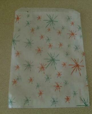 "100 Starburst Red & Green Christmas  Paper Bags 5 X 7"" Ideal Sweets Small Gifts"