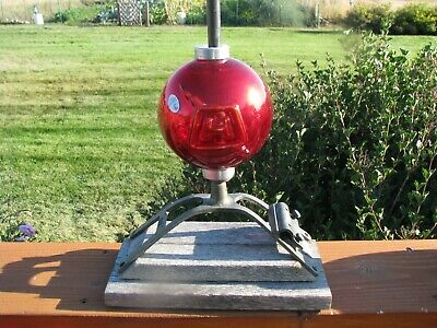 Flashed Silver Red Harger Pattern Lightning Rod Ball