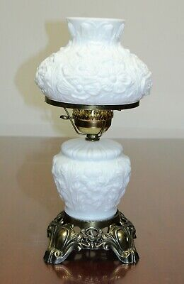 Vintage Fenton GWTW Gone With Wind  White Milk Glass Molded Flower Table Lamp