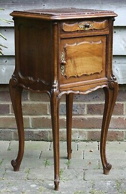 Fine quality French Louis XV style walnut bedside cabinet, Late 19th Century