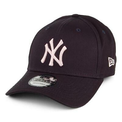 New Era League Essential 9Forty Cap. New York Yankees. Navy/Pink