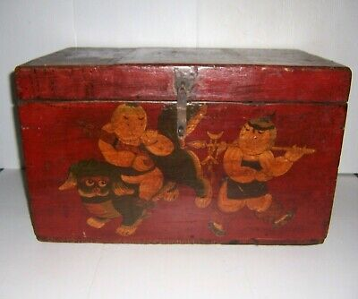 Antique Wooden Box with Hinged Lid & Hand Painted Oriental Scene on The Front