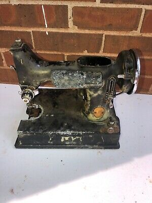 1941 SINGER 221 FEATHERWEIGHT SEWING MACHINE For Parts or Repair