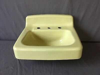 Vtg Mid Century Standard Butter Yellow Porcelain Cast Iron Bath Sink NOS 194-19E