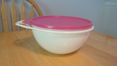 Tupperware Mini Thatsa Bowl - 6 Cup