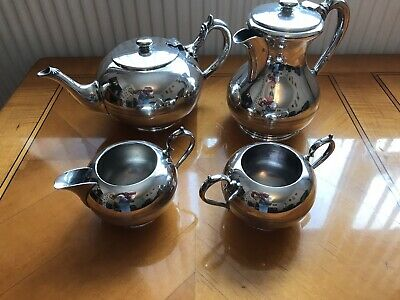 Walker & Hall Silver Plated 4 Piece Art Deco Tea/ Coffee Set. Good Condition