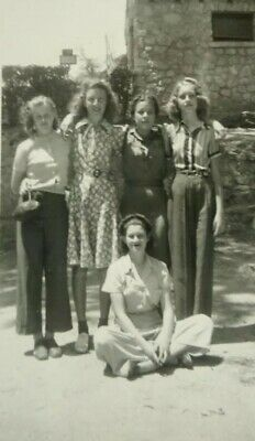 Found Photograph 5 Young Girls Pose Nice Fashion Styles 47