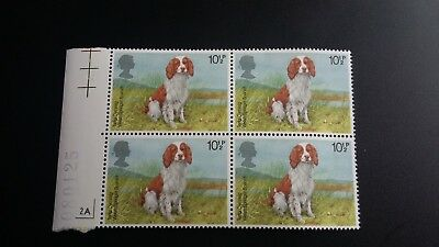 SPRINGER SPANIEL DOGS 10 1/2 pence GB WALES POSTAGE STAMPS BLOCK OF 4  MNH