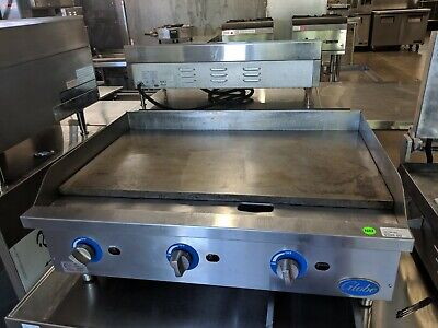 Globe Gas Countertop Griddle with manual controls, GG36G