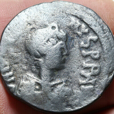 Byzantine coin AE Follis Justinian I, (Constantinople?) , AD 527-565 , 32mm