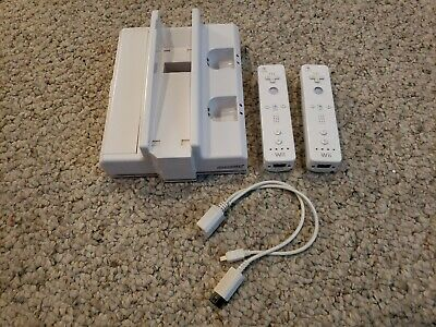 Nintendo Wii Wiimote Remote Controller Original White 2x and charger