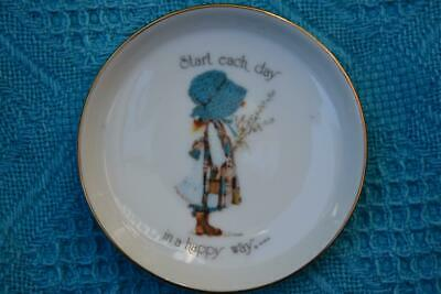 1970s HOLLY HOBBIE Designers PIN/SOAP DISH. Start each day...in a happy way!