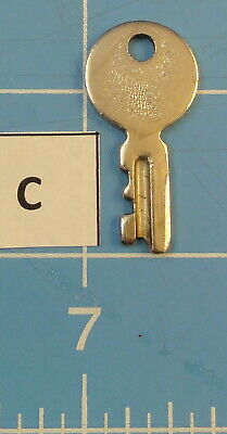 Vtg. Key For Singer Featherweight 221/222 Sewing Machine - Lot  C