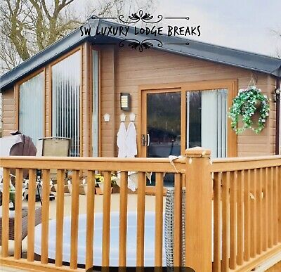 Luxury Lakeside Lodge With Hot Tub Sleeps 8 For Rent At Tattershall Lakes