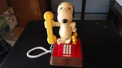 VINTAGE SNOOPY AND WOODSTOCK PHONE~Touch Tone 70's corded telephone Works!!